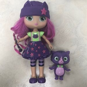 Talking & Magic Little Charmers Hazel w Wand & Cat